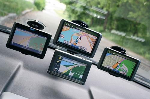 Как выбрать GPS навигатор в автомобиль