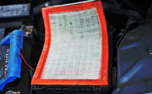 Замена воздушного фильтра Ниссан Альмера Классик