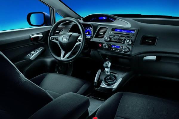Honda-Civic-4D-08